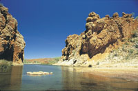 Glen Helen Gorge - West MacDonnell ranges travel guide and tours courtesy of Northern Territory Tourism